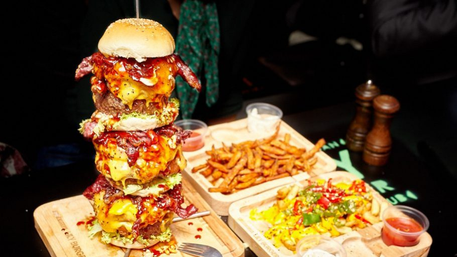 Let's go the whole hog: this 30 centimetre burger comprises three patties, ample onion rings, cheese and bacon. If that doesn't fill you up, you can add sweet potato chips and chili cheese fries.