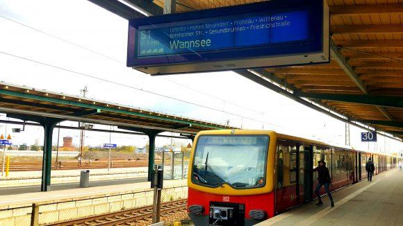 Am S-Bahnhof Oranienburg startet die S1 Richtung Wannsee. (c) Trieba