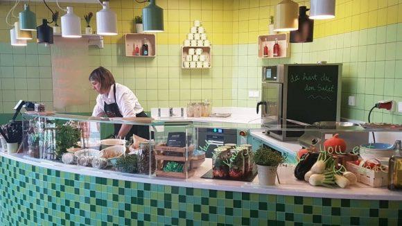 An der Station von Peter-Silie gibt's frische vegetarische und vegane Gerichte