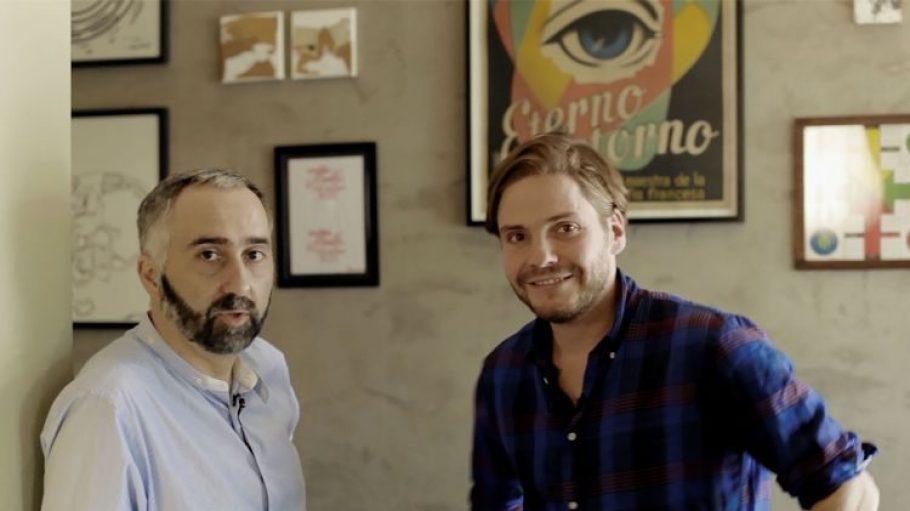 Atilano Gonzalez (l.) und Daniel Brühl in ihrer spanischen Tapas-Bar.