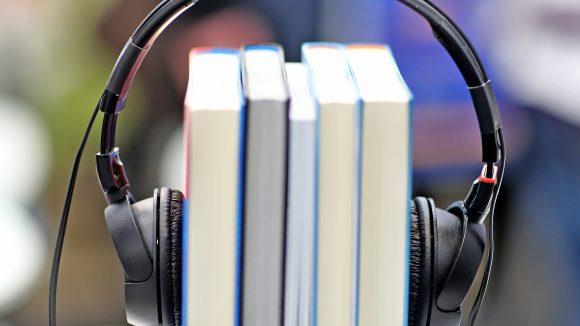 Dass man Bücher nicht nur vorzüglich lesen, sondern genauso gut hören kann, möchte Berlins erster Hörbuchladen unter Beweis stellen.