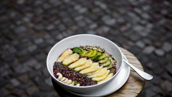 Auf den Tellern landen nur Obst und Gemüse aus kontrolliert biologischem Anbau.