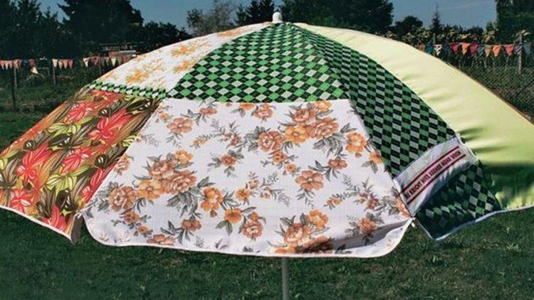 Identitätsschirm produziert von der Sonnenschirmgruppe der Kunstgemeinde Pampsee.