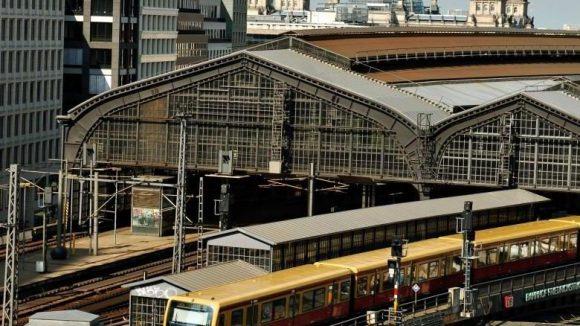 Am Bahnhof Friedrichstraße steht wohl eine größere Sanierung an.