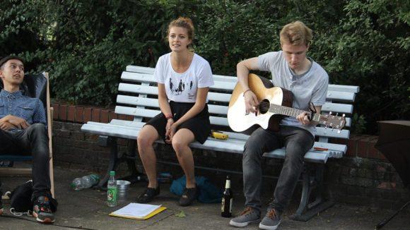 Auch auf der Parkbank wurde musiziert.