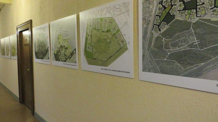 """Im Rathaus Zehlendorf kannst du dir derzeit die Entwürfe für die Bebauung von """"Parks Range"""" anschauen. Oder klick' dich einfach durch unsere Bilderstrecke!"""