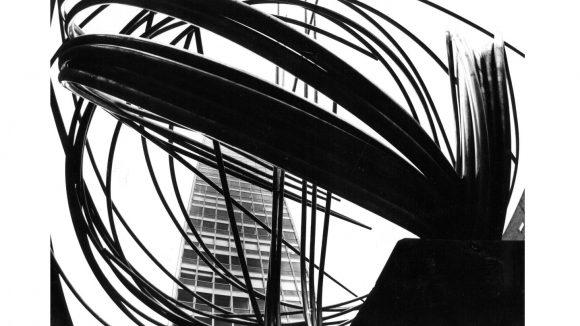 Robert Häusser, Norbert Kricke:Große Mannesmann, 1980-1983 © bpk – Bildagentur für Kunst, Kultur und Geschichte