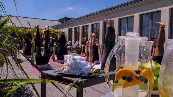 Beim Yoga kannst du die Welt mal aus einer anderen Pespektive sehen. ©Daniel Lathwesen