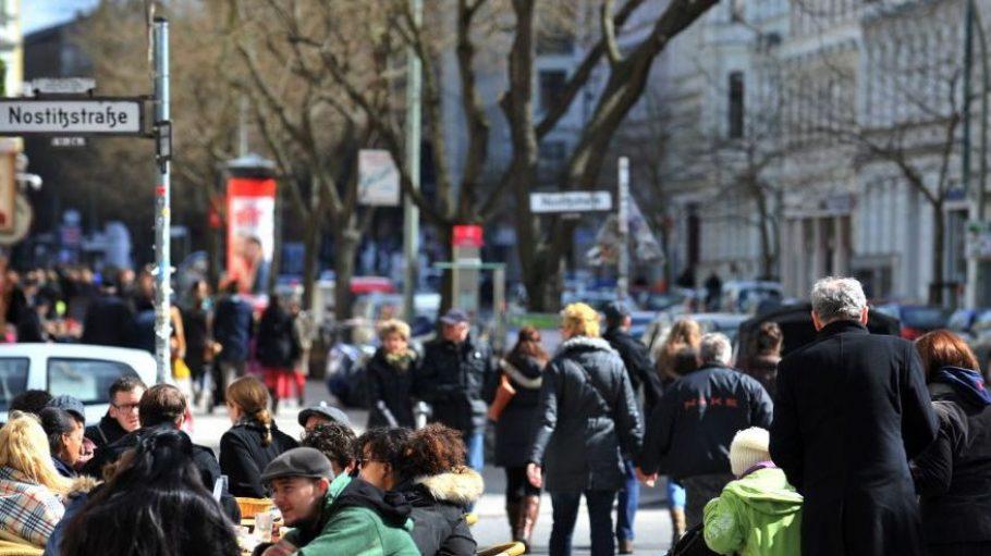 Auf der Bergmannstraße herrscht reges Treiben. Eine Begegnungszone soll für mehr Aufenthaltsqualität sorgen.