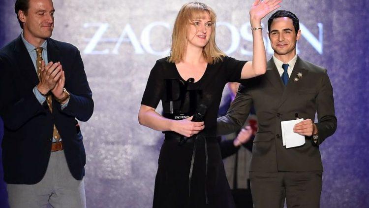 """Mit ihrer minimalistischen Kollektion """"Acting Big"""" hat die Modedesignerin Mareike Massing den """"Designer for Tomorrow""""-Preis gewonnen und darf sich nun über die Unterstützung vom US-Modedesigner Zac Posen."""