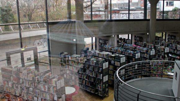Bibliothek am Luisenbad (c) Hensel