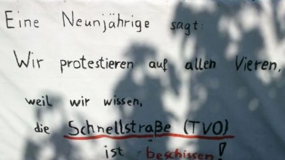 Die Planung der Tangentialverbindung Ost (TVO) sorgt in Biesdorf-Süd für erhitzte Gemüter. Diese Neunjährige ist wohl komplett gegen den Bau. Andere wollen bei der Planung mitbestimmen.