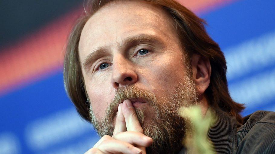 Am Sonntag ist Schauspieler Bjarne Mädel - hier bei der Berlinale - nur zu hören: als Sprecher bei einem Hörspiel im Heimathafen.