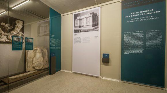 """Blick in die Ausstellung """"Mythos Germania""""."""