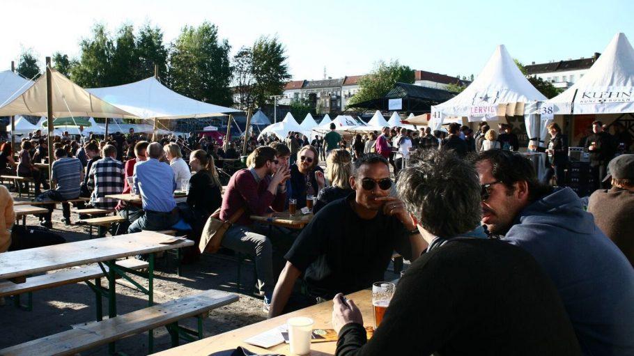 Das Braufest Berlin findet traditionell auf dem RAW-Gelände in Friedrichshain statt.