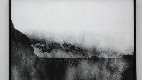 Carla Chan's schwarz-weiß Werke zeigen landschaftliche Gebilde. ©Carla Chan / Berlin Masters