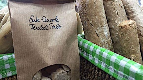 Dieses Gebäck sieht auch schmackhaft aus, ist aber ausschließlich für Vierbeiner vorgesehen.