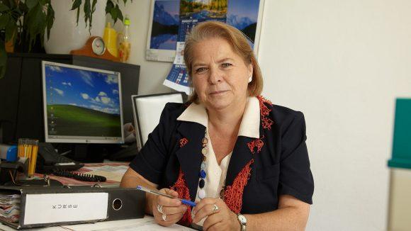 Dagmar Buresch im Büro (c)Synapse