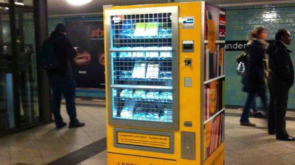 Der Automat am Alex. (c)Betsie (MitteSchön)