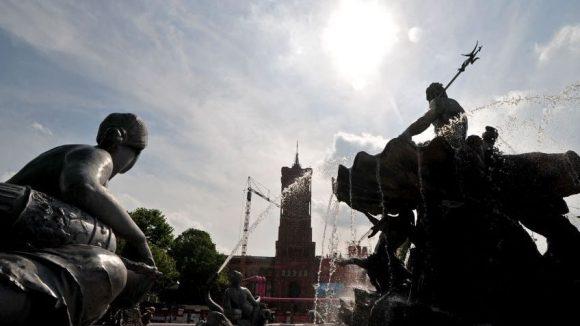 Der Neptunbrunnen soll ans Stadtschloss zurückkehren, wünscht sich der Schlossarchitekt Stella. Darüber wird auch beim Bürgerdialog gestritten werden.