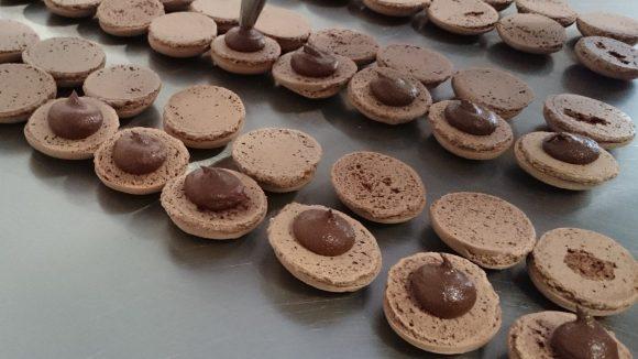 Die Macaron-Herstellung ist eine komplizierte Angelegenheit, auch wenn's einfach aussieht.