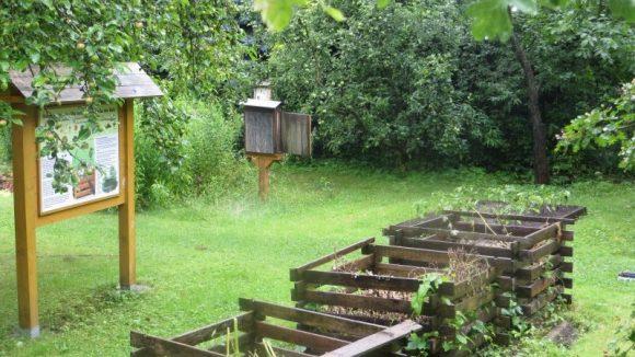 Die Natur nutzen: Komposthaufen im SUZ.