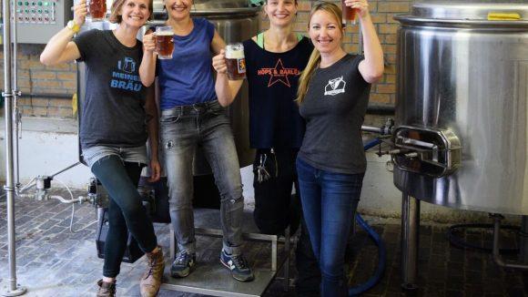 Diese vier Damen sind allesamt Brauerinnen in Berlin. ©Promo