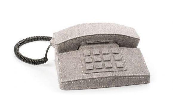 Ein Telefon ganz in Filz ist das schon etwas Besonderes. ©A. Mende