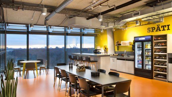 Küche im Office von Facebook