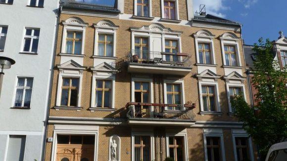 Einer der Gründerzeitbauten Baumschulenweg Marientaler Straße