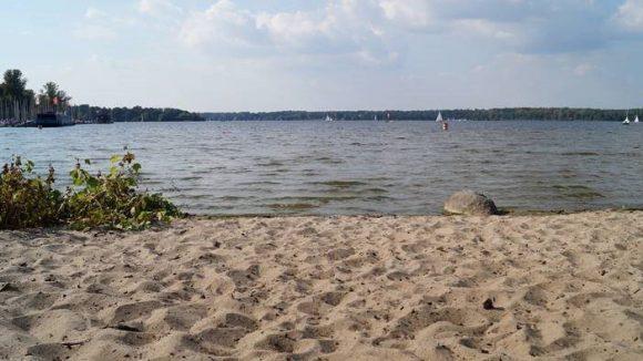 Einfach mal am Wannsee entspannen und die letzten Sonnenstrahlen genießen. ©naturtrip.org