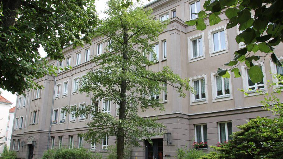 Auch wenn es auf den ersten Blick nicht so aussieht: Dieses Haus in der Engelhardstraße ist ein Plattenbau.
