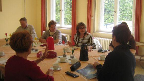 English Conversation mit netter Gruppenleitung und Tee