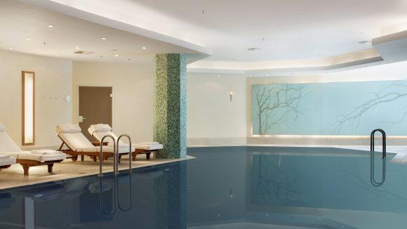 Entspannung pur im schönen Pool.