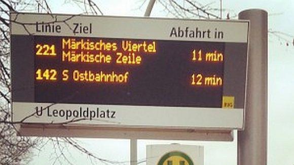 Fahrplan-Anzeige Leopoldplatz (c) Joachim Faust