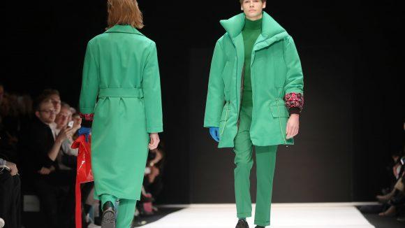 Mut zur Farbe: Ein Trend, der sich durchzieht: Auch bei den Männern bei der Schau des Berliner Labels Ivanman. ©dpa