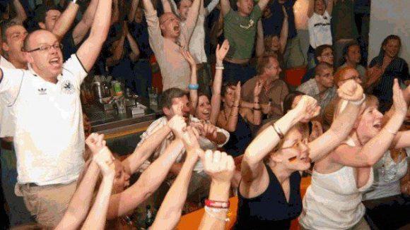 In der FC Magnet Bar wurde schon des Öfteren lauthals gejubelt.