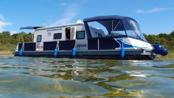 Fest installierter Wohnwagen (c) Müritzboot
