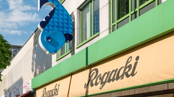 Das Delikatessengeschäft Rogacki ist eine Charlottenburger Institution.