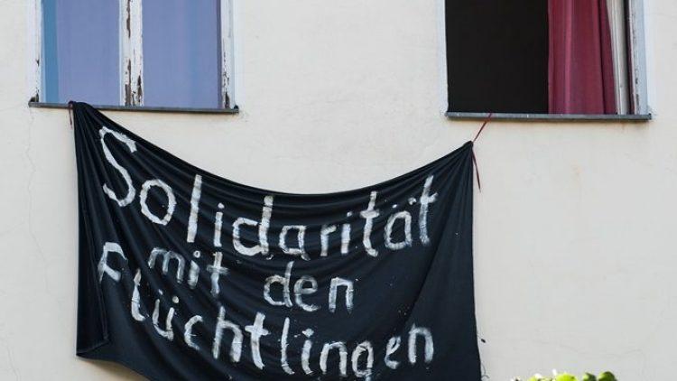Mehr als bloße Worte: KreuzbergerInnen haben heimatlose Flüchtlinge in ihrer Wohnung aufgenommen.