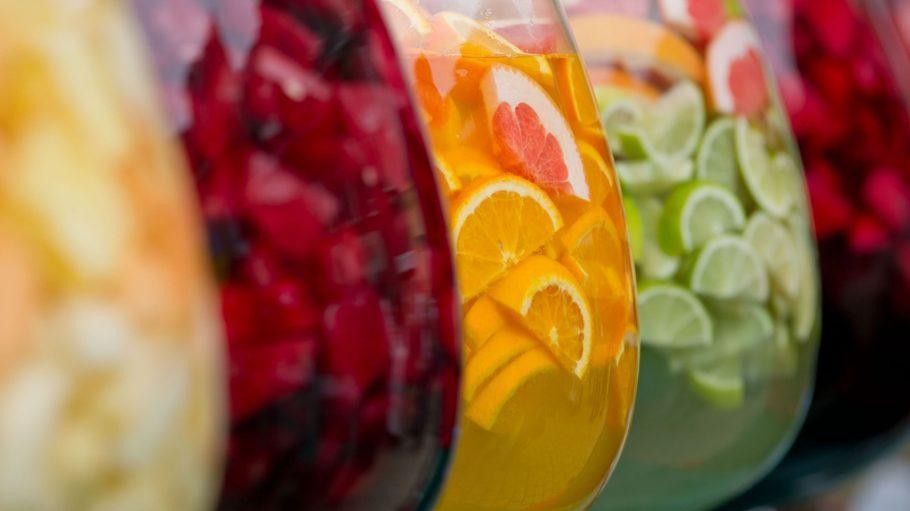 Verdursten muss hier niemand: Bowle Orangen oder Limette und Grapefruit sind nur zwei von vielen Angeboten auf dem Baumblütenfest in Werder.
