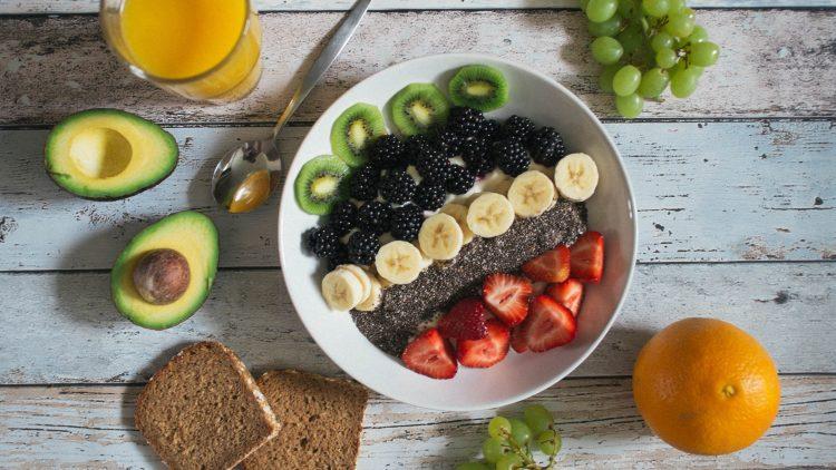 In diesen Restaurants in Kreuzberg kannst du morgens entspannt dein Frühstück genießen.