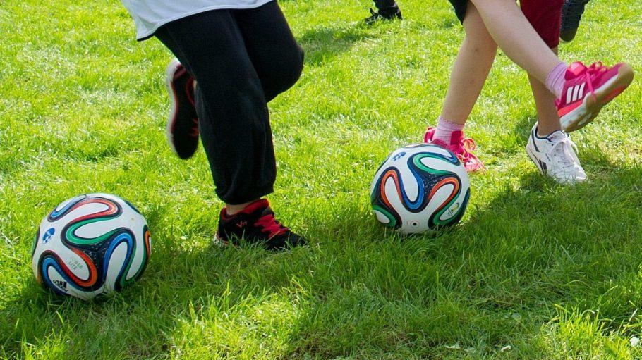 Fußball kann für Flüchtlingskinder ein erster Schritt zur Integration in ihrer neuen Heimat sein.