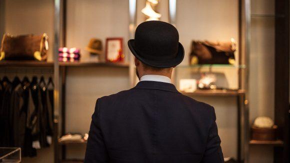 Gentlemen's Circle ist Friseur, Bar und Fashion-Shop und vieles mehr. ©Pavel Becker