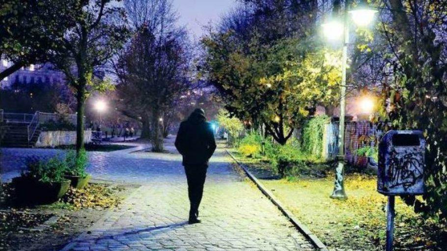In einer Samstagnacht wurde der Autor im Görlitzer Park in Kreuzberg überfallen.