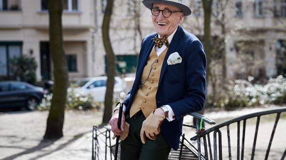 Seit 50 Jahren lebt die Stilikone Günther Krabbenhöft schon in Berlin, erst in Moabit und seit 30 Jahren in Kreuzberg.