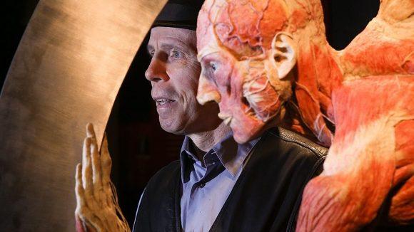 Gunther von Hagens ist der Mann hinter den Körperwelten-Plastinaten.