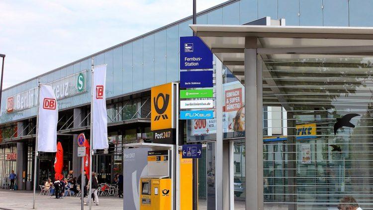 Haltestelle am Südkreuz.