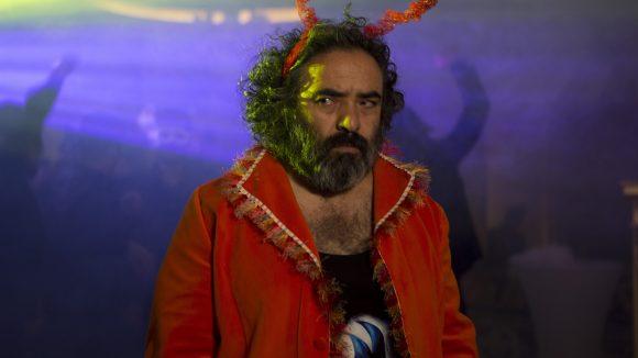 Hasan Majuni spielt den Regisseur Hasan in Khook/Pig/Schwein. ©Promo