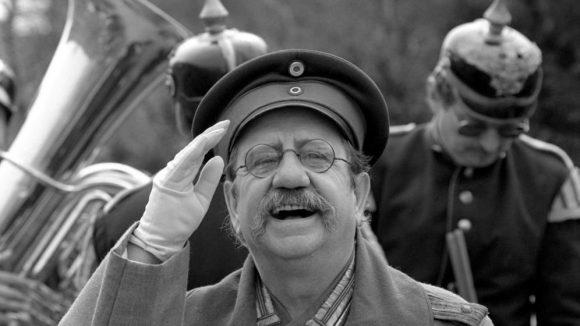 Für fast drei Jahrzehnte die Inkarnation des Hauptmanns von Köpenick: Manfred Korth.